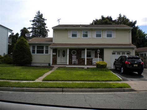 Jon Bon Jovi Rocks For Housing by Jbj Childhood Home Sayerville Nj Bon Jovi
