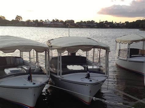 electric boat holidays electric boat hire self drive and no licence required my