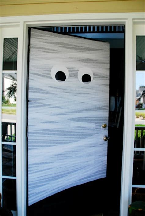 Mummy Door by A Easy Diy Decorations