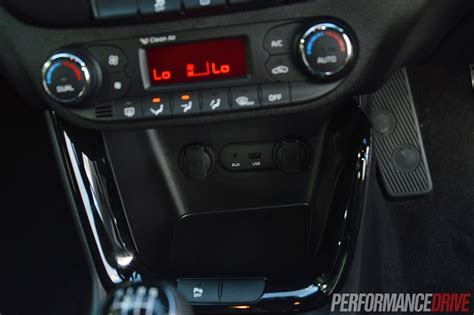 Kia Usb Port 2014 Kia Pro Cee D Gt Tech Review Performancedrive