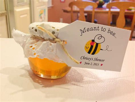 ideas for wedding shower favors to make 2 honey favors are so easy to decorate and to do