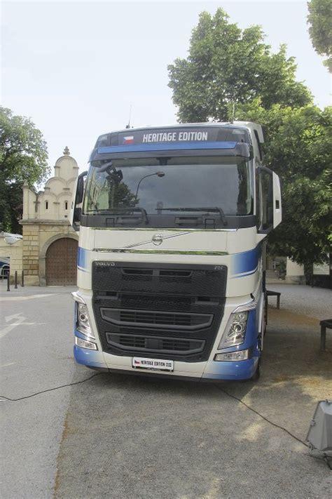 volvo trucks na volvo trucks již 20 let na česk 233 m trhu stavebn 237 technika