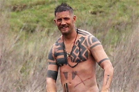 celeb taboo tom hardy nude on set of taboo tom hardy toms and