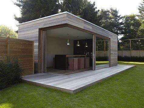 Veranda Modern by Modern Tuinhuis Met Overdekte Veranda Backyards
