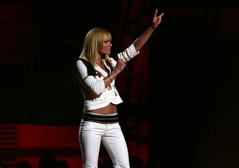 Rock On With The Vh1 Rock Honors Gift Bag by Jaime Pressly In Vh1 Rock Honors Show Zimbio