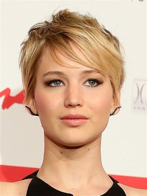 is jennifer lawrence hair cut above ears or just tucked behind 158 best images about jennifer lawrence on pinterest