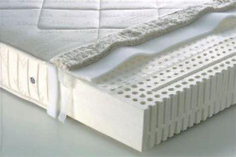 miglior materasso in lattice lattice consigli materassi propriet 224 e vantaggi