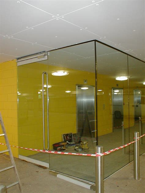 Front Door Images specialist fitters of glass lift lobby in west london