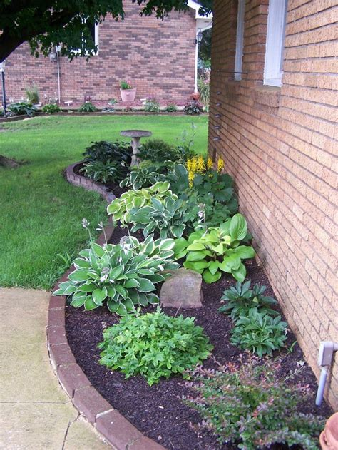 flower beds around house 1000 images about new house front yard on pinterest