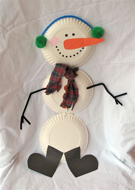 Snowman Papercraft - family crafts and recipes crafts paper plate