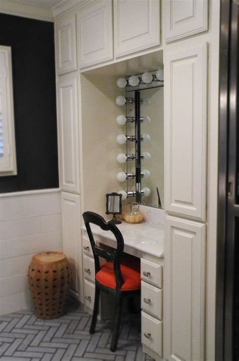 Best 25  Built in vanity ideas on Pinterest   Organize