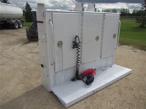 Enclosed Headache Rack by Enclosed Aluminum Headache Rack League Equipment