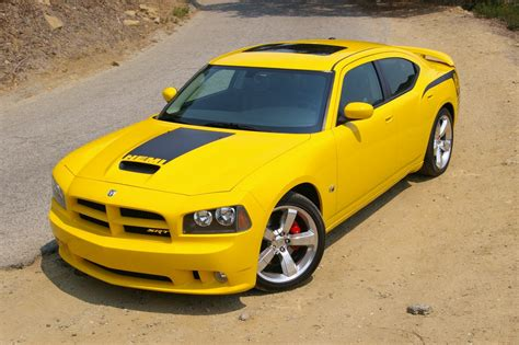 Dodge Bee Dodge Charger Srt8 Bee Motoburg