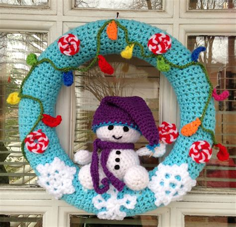 crochet pattern for xmas wreath 10 christmas wreath crochet patterns
