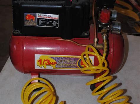 buffalo pneumatic 3 5 gallon air compressor with air hose