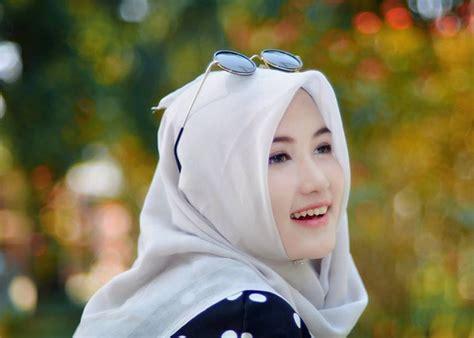 Anisa Blouse Muslim Lebaran Simple Casual Bagus Murah model baju muslim wanita modern yang murah fashionable modelhijab
