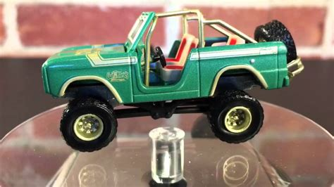 Greenlight Seri Gas Monkey Garage 1976 Ford Bronco 1976 ford bronco gas monkey garage diecast by greenlight