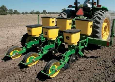 products deere and planters on