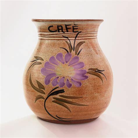 Vas Teko Kaleng Bunga gambar cangkir vas keramik barang tembikar seni kerajinan tangan wadah pot bunga