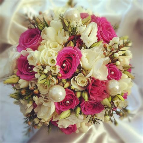 classic floral bouquets floral creations by reena - Floral Bouquets