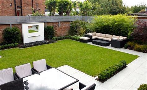foto di piccoli giardini arredati piccoli giardini di villette prato verde finto e