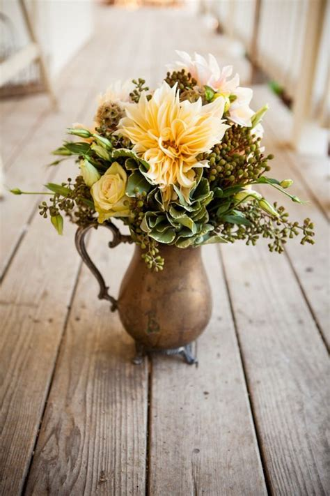 Flower Arrangements In A Vase by Best 25 Vase Arrangements Ideas On Vase Flower Arrangements Vegetable Bouquet And