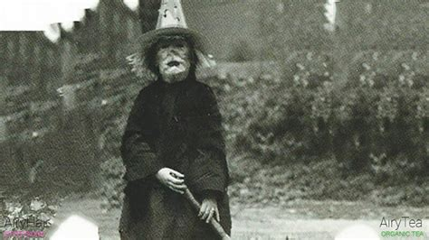top 20 old absolutely creepy halloween costumes