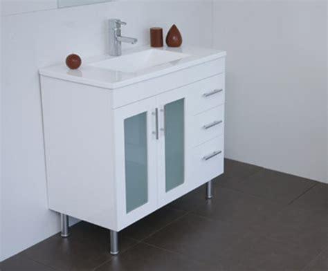 Aspen Vanity by Aspen Bathroom Vanities Classique Vanities 07 3804 3344
