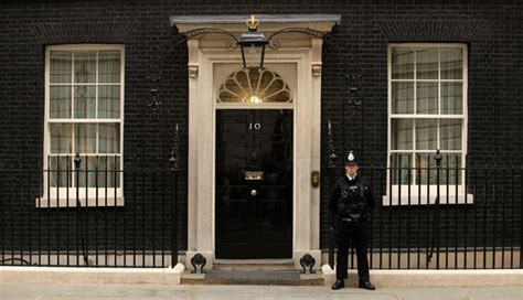 10 downing front door 5 front doors from around the world