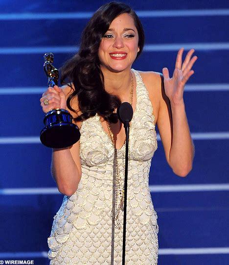 oscar best actress marion cotillard the oscars c est la vie french outsider marion cotillard