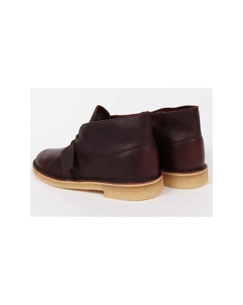 clarks originals desert boot in leather brown tumbled