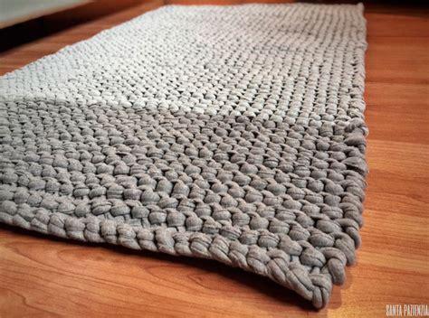 alfombra en punto bobo de trapillo santa pazienzia