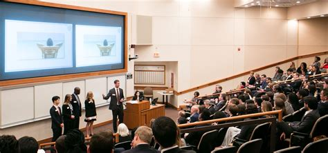 Smith School Mba Ranking by New Smith Mbas Compete In Live Competition Robert H