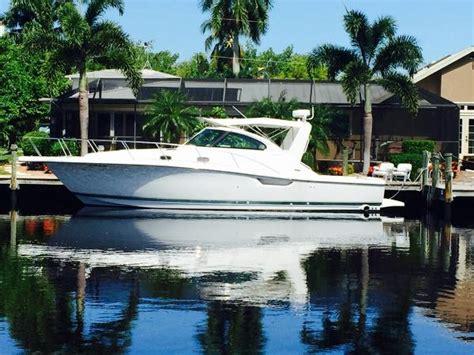pursuit  express boats  sale