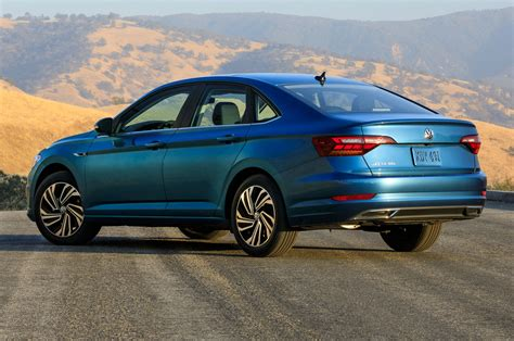 volkswagen jetta 2018 2019 volkswagen jetta keeps the manual alive at 2018