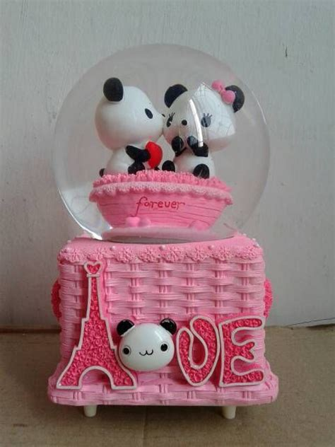 Jual Kotak Musik Carousel 260 best snow globes images on petit fours