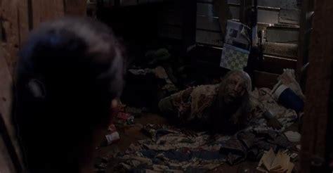 The Walking Dead Season 5 Trailer Unloads Kills Thrills Walking Dead Barn Door