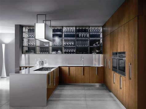 cuisine m騁al et bois barrique steel kitchen by ernestomeda