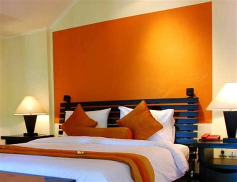 orange paint colors for bedrooms best 25 orange accent walls ideas on paint