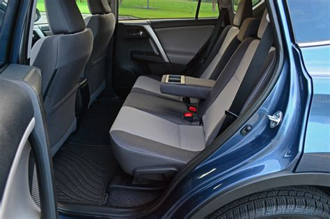 Rav4 How Many Seats by 2014 Toyota Rav4 Xle Fwd Review Test Drive