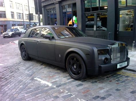 roll royce wraith matte rolls royce phantom matte black cars for me pinterest