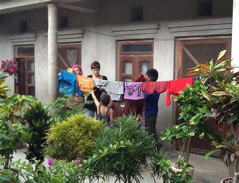 ya funciona la lavadora en la casa de acogida nepal sonrie