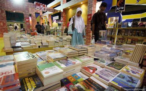 Tv Di Palembang usaha buku bekas di palembang semakin terpinggirkan okezone ekonomi