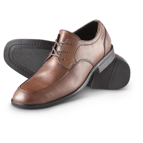 kenneth cole shoes s kenneth cole 174 be our guest oxford shoes brown