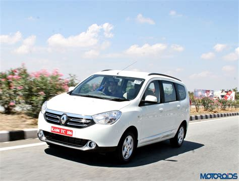 renault lodgy renault lodgy bookings now commence at 50 000 inr motoroids