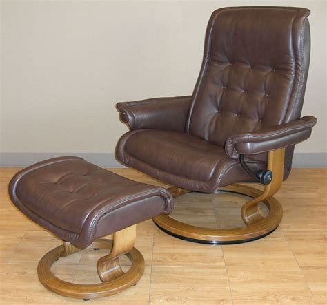 ekornes leather recliner stressless royalin dark brown leather by ekornes