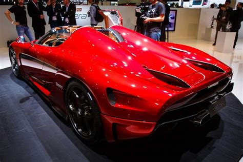 koenigsegg regera engine the koenigsegg regera wins the horsepower wars roadshow