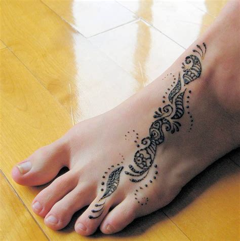 simple tattoo on foot summer lovin the girl i mean to be