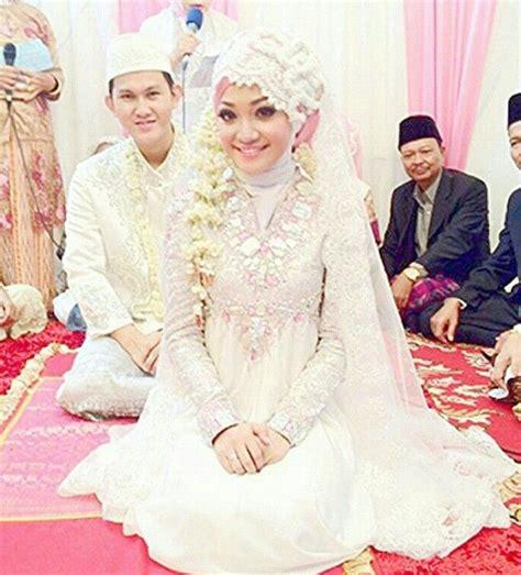 Kebaya Pelangi 01 dian pelangi muslim wedding dress wedding wedding muslim wedding dresses