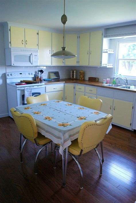 1950 kitchen cabinets best 25 1950s kitchen ideas on pinterest 1950s house 50s kitchen and 1950s home